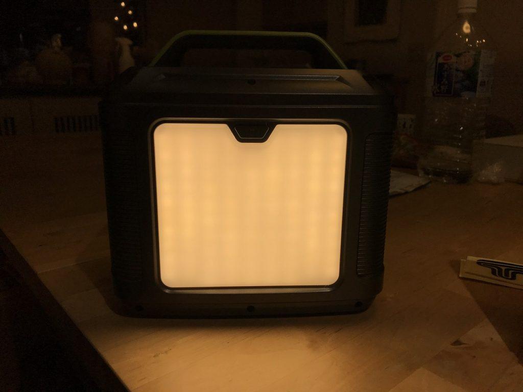 ポータブル電源 照明付き
