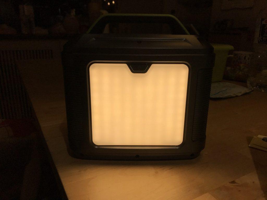 ポータブル電源 ライト付き